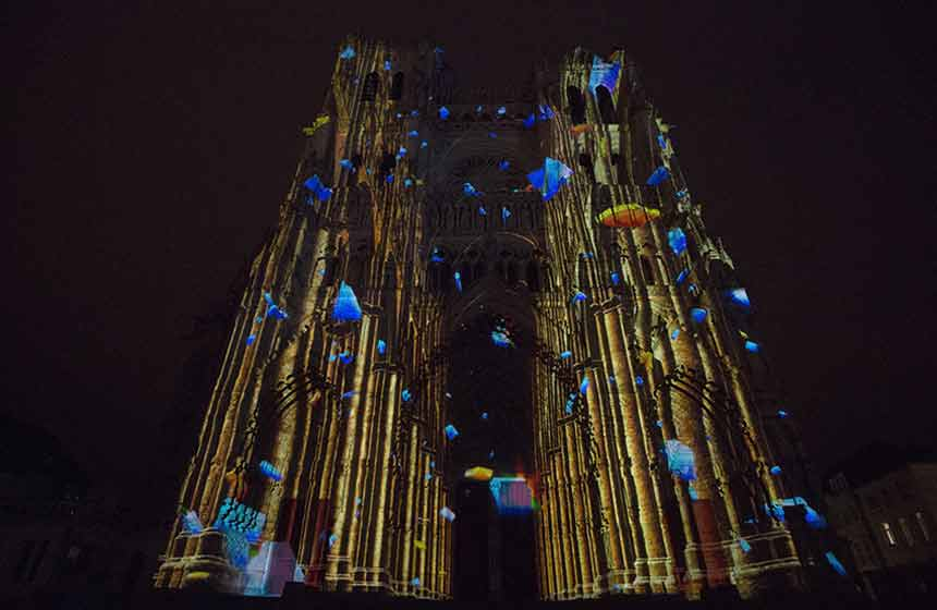 Amiens---cathedrale--spectacle-Chroma--1--retaillee-2