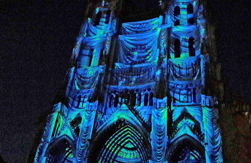 Colorisation de la cathédrale d'Amiens - Spectacle Chroma
