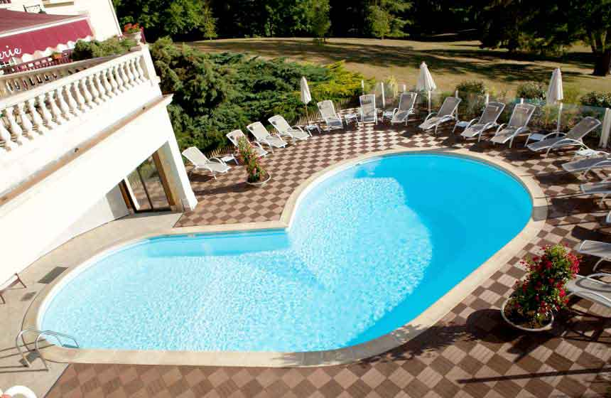 Ch teau h tel pour parenth se de luxe en for t de for Piscine chantilly
