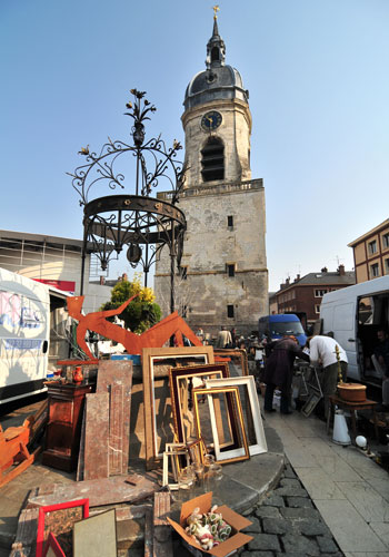 Amiens, one of the biggest flea markets in Northern France  - visit France